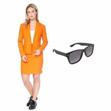 Carnavals pak oranje dames gratis zonnebril