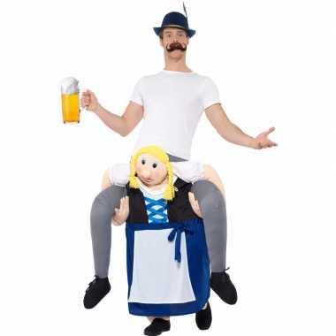 Carnavalspak biermeisje draagt man
