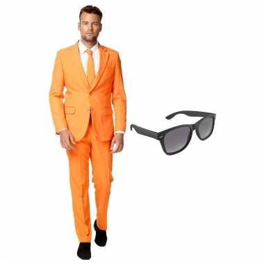 Carnavalspak oranje heren pak (xxxl) gratis zonnebril