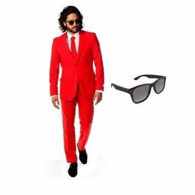 Carnavalspak rood heren pak (s) gratis zonnebril