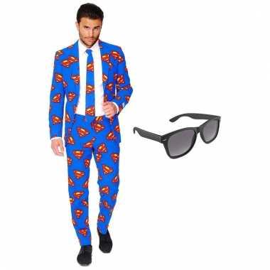 Carnavalspak superman heren pak (xxxl) gratis zonnebril