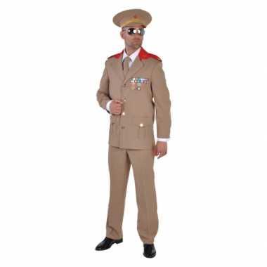 Russiche officiers carnavalspaks